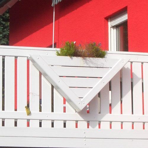 Kunststoff_Blumenkasten_für_Balkon_weiß